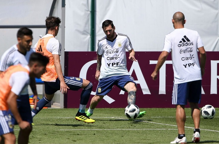 7b89a5676 Argentina team practice penalty kicks in training