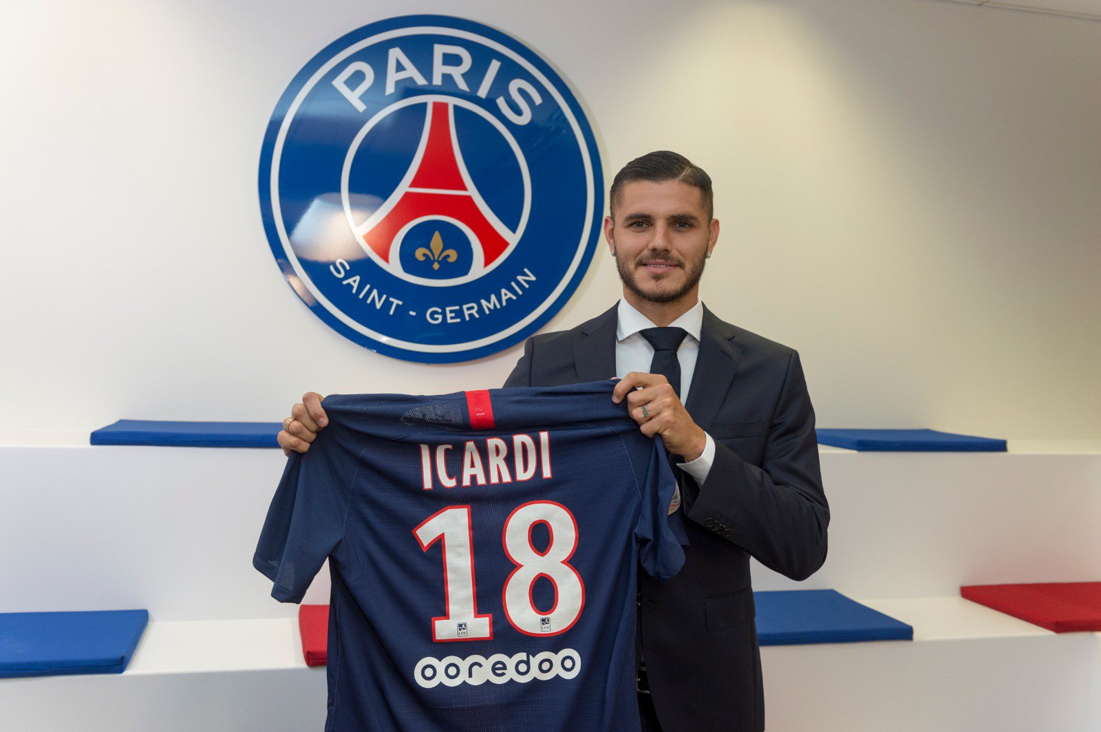 Mauro Icardi joins Paris Saint-Germain on loan