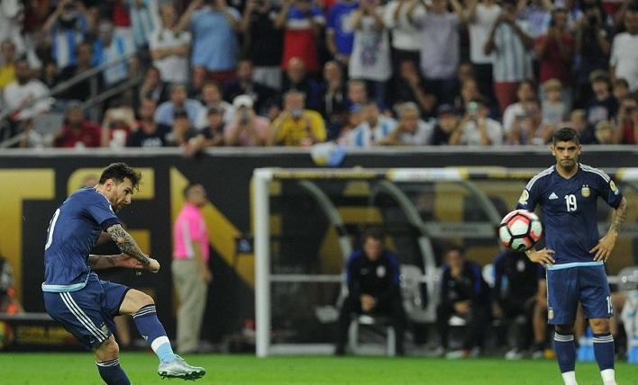 Messi Free Kick