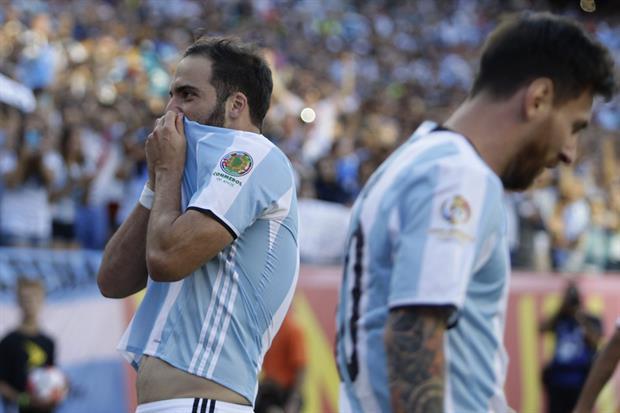 Lionel Messi Gonzalo Higuain Argentina