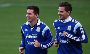 Lionel Messi Fernando Gago Argentina