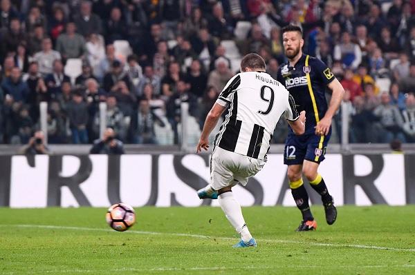 Gonzalo Higuain Juventus goal.