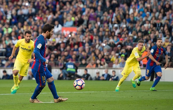 Lionel Messi panenka penalty Barcelona goal