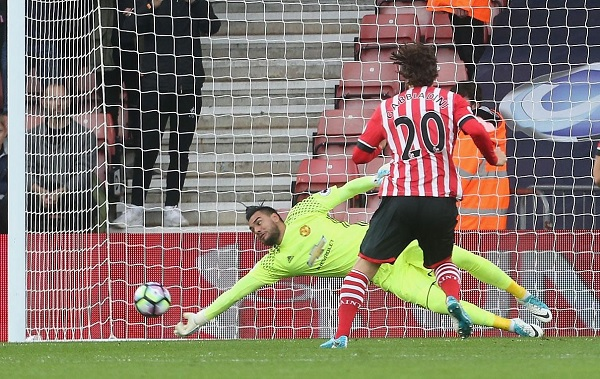 Sergio Romero Manchester United penalty