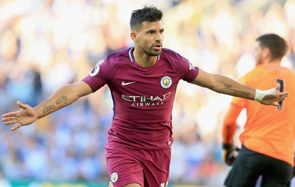 Sergio Aguero scores for Manchester City