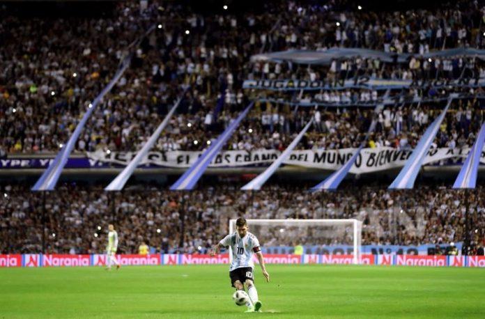 Lionel Messi free kick Argentina