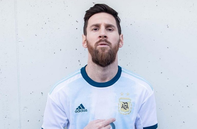 b136a374d2c Lionel MESSI, Paulo DYBALA wear new Argentina home kit as AFA ...