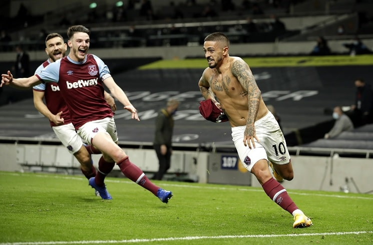 Manuel Lanzini scores for West Ham in 3-3 draw vs